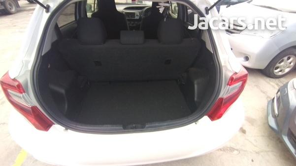 Toyota Vitz 0,9L 2016-4
