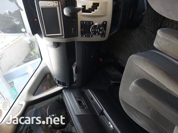 Toyota Voxy 2,0L 2010-9