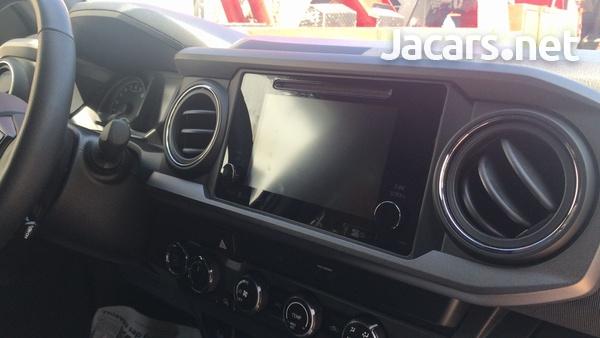 Toyota Tacoma 2,7L 2019-10