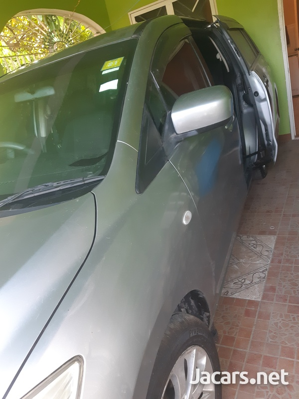 Mazda Premacy 1,6L 2010-5