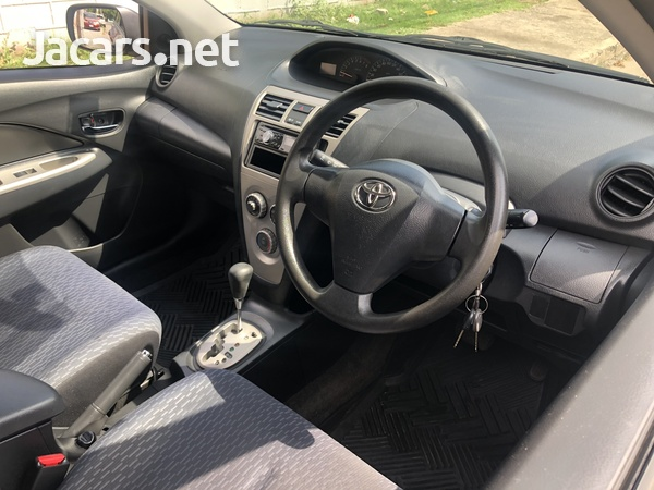 Toyota Yaris 1,3L 2013-5