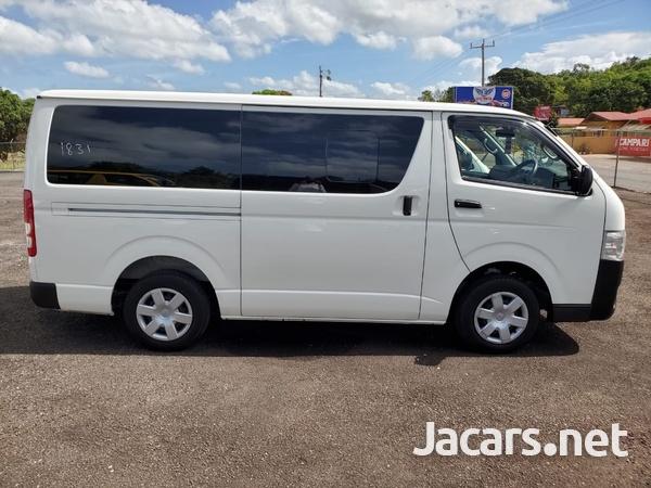 Toyota Hiace 2,0L 2015-1