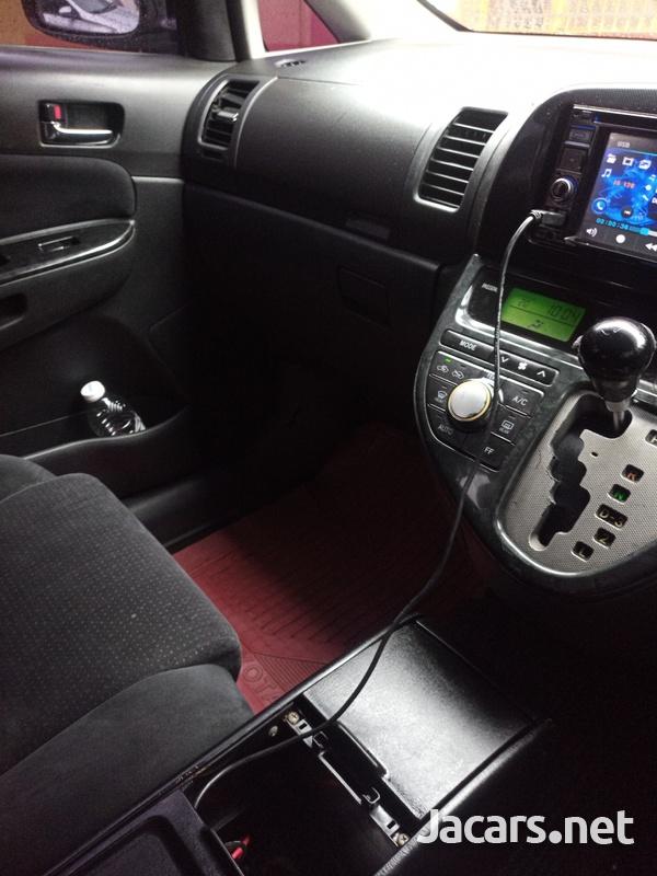 Toyota Wish 1,8L 2006-4