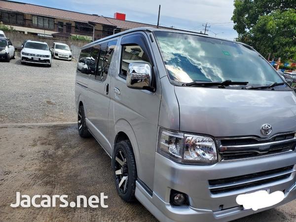2013 Toyota Hiace Bus-1
