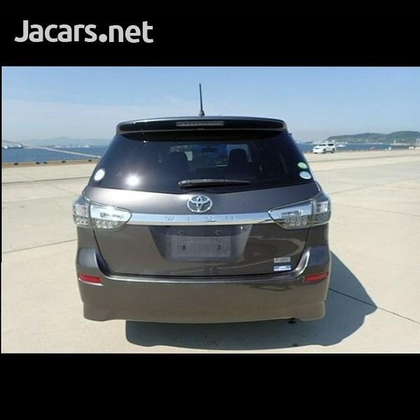 Toyota Wish 2,0L 2014-8
