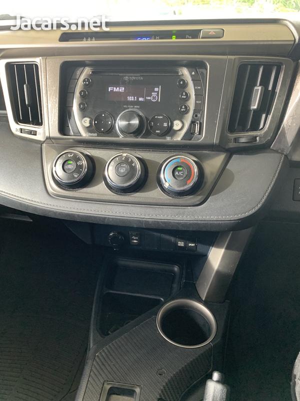 2014 Toyota Rav4-6