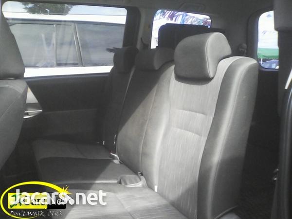 Toyota Voxy 1,9L 2010-3