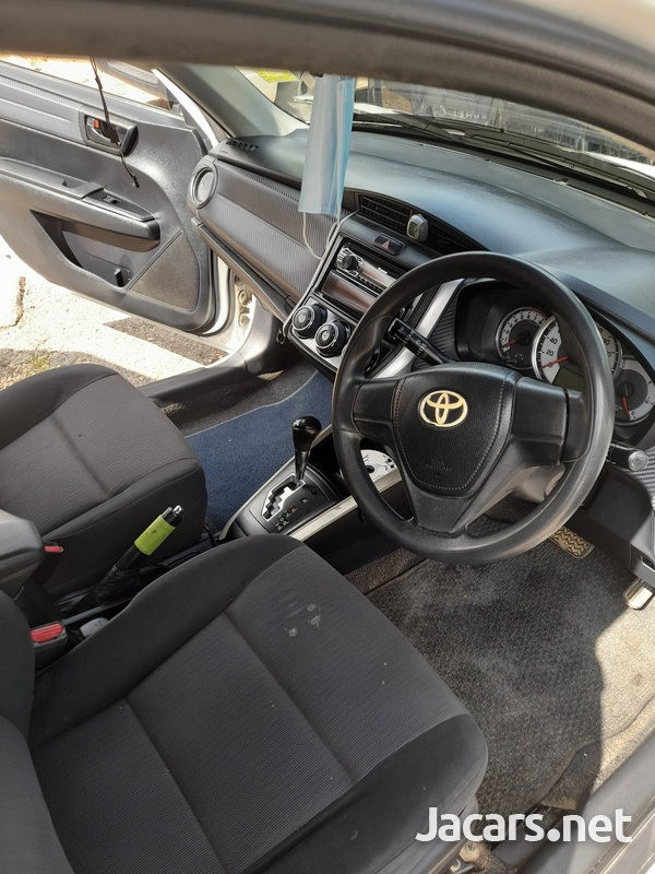 Toyota Fielder 1,5L 2013-6