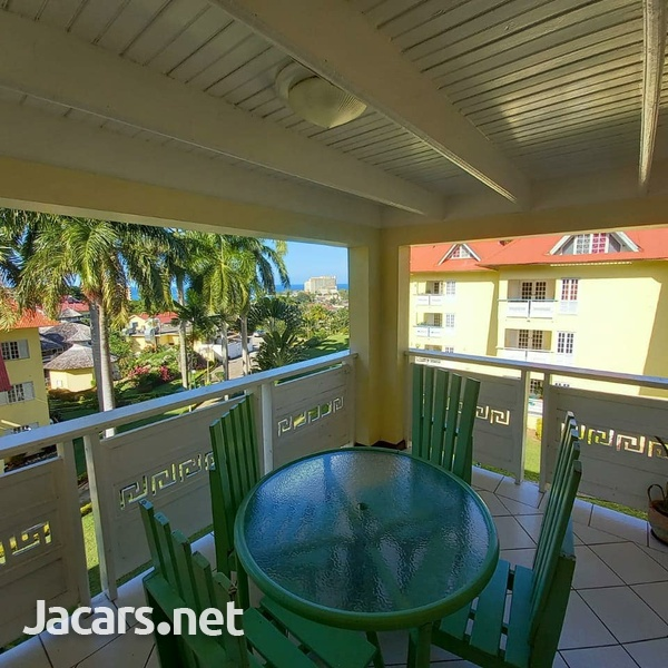 2 Bedroom 2 Bathroom Apartment in Ocho Rios with pool access and 24 hrs security-9