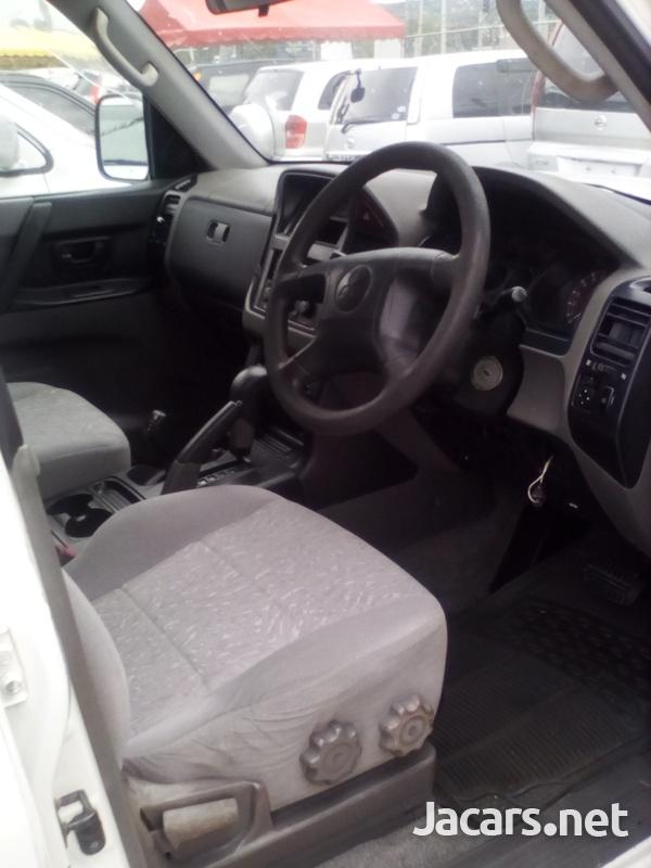 Mitsubishi Pajero 3,0L 2001-6