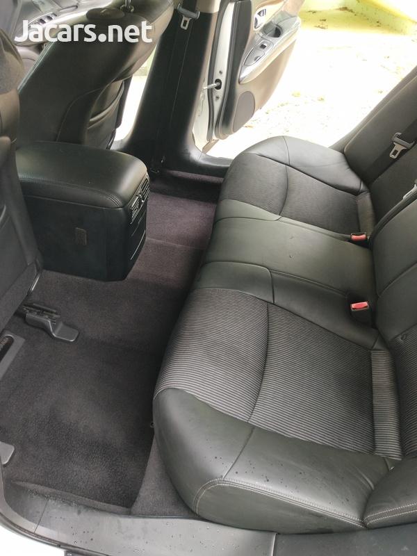 Nissan Fuga 3,7L 2011-4