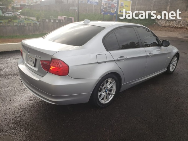 BMW 3-Series 1,8L 2011-6