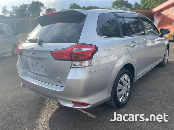 Toyota Fielder 1,8L 2015-6