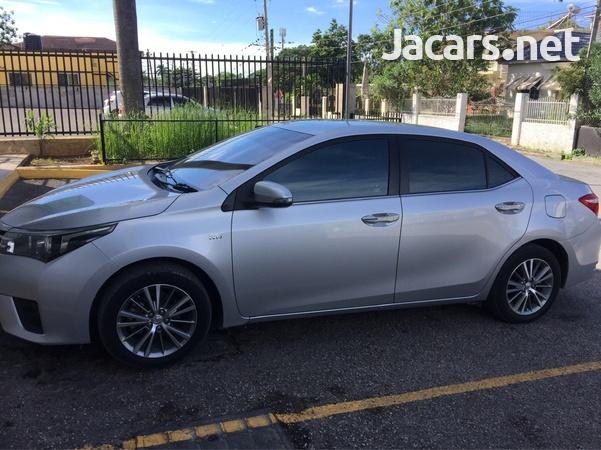 Toyota Corolla Altis 1,6L 2014-3