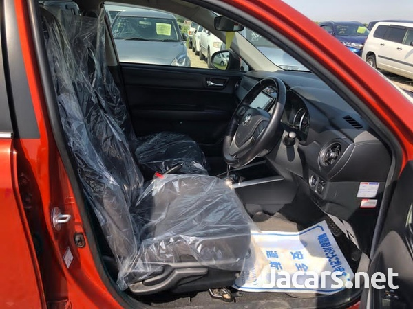 Toyota Fielder 1,8L 2017-3