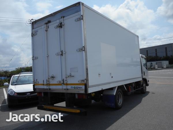 Isuzu Elf Refrigerated Truck 2014-7
