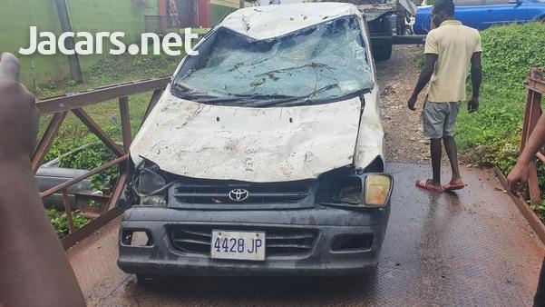 Damaged Toyota Townace 2000-2