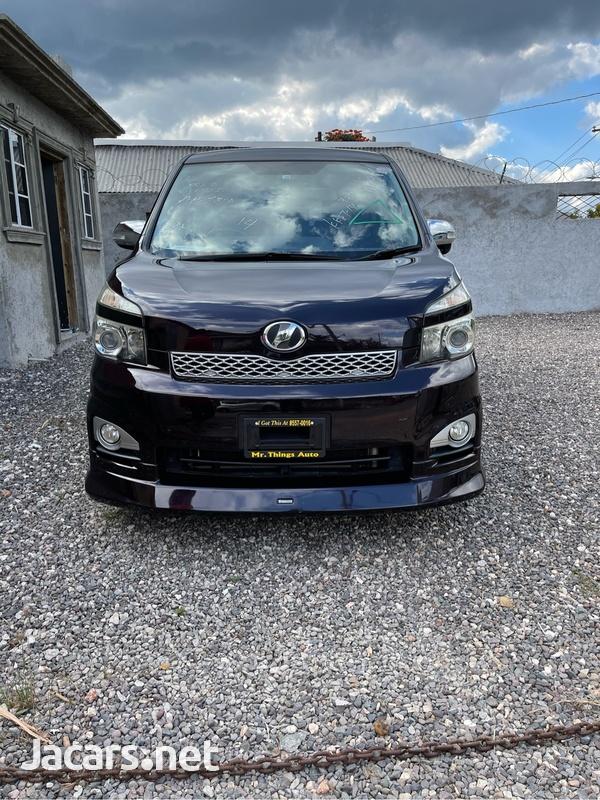 Toyota Voxy 1,2L 2011-2