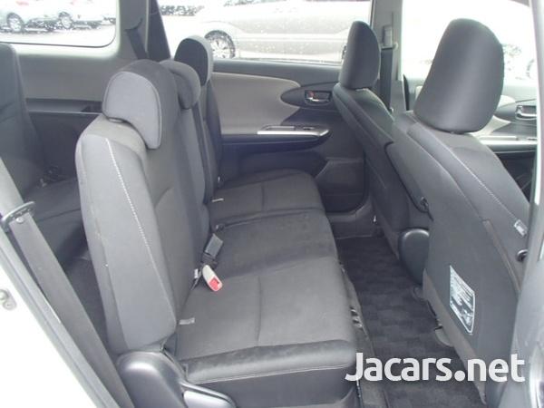 Toyota Wish 1,7L 2012-7