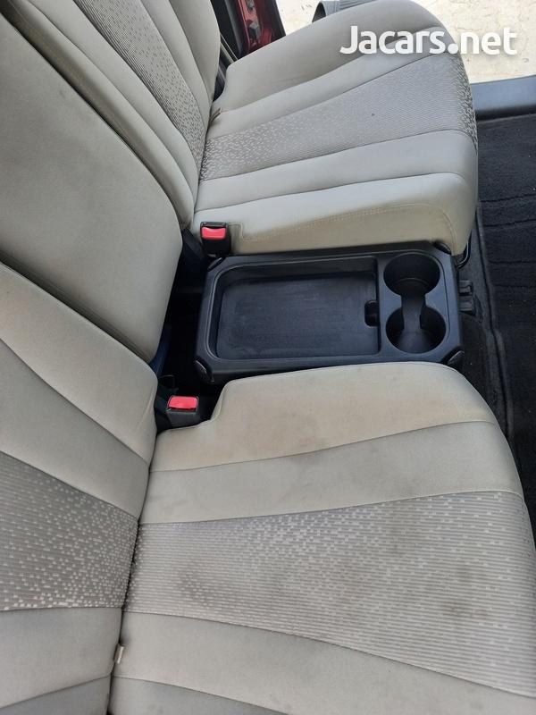 Mazda Premacy 1,9L 2011-7