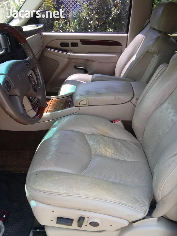 Cadillac Escalade 6,0L 2003-8