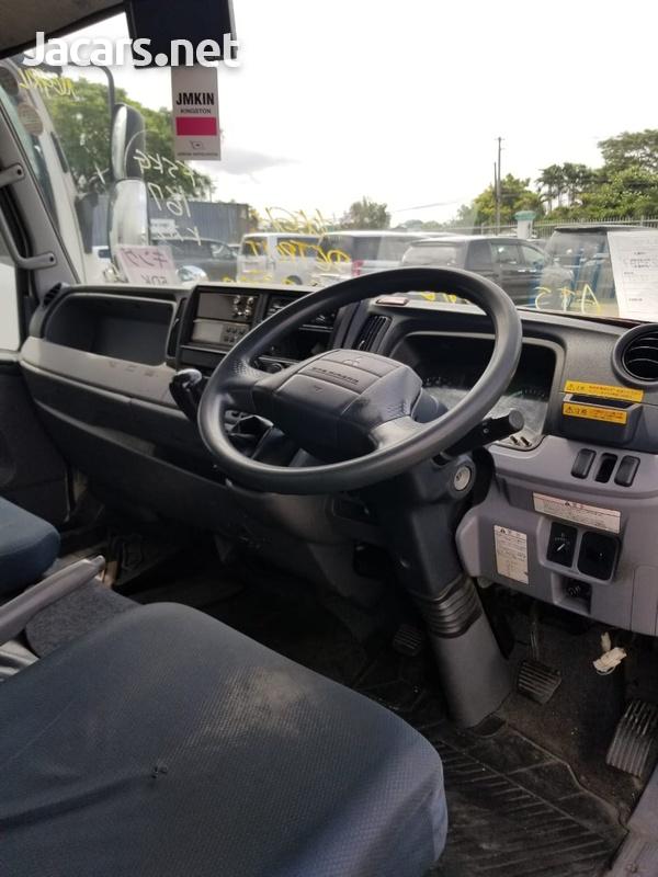 2014 Mitsubishi Fuso Truck-8