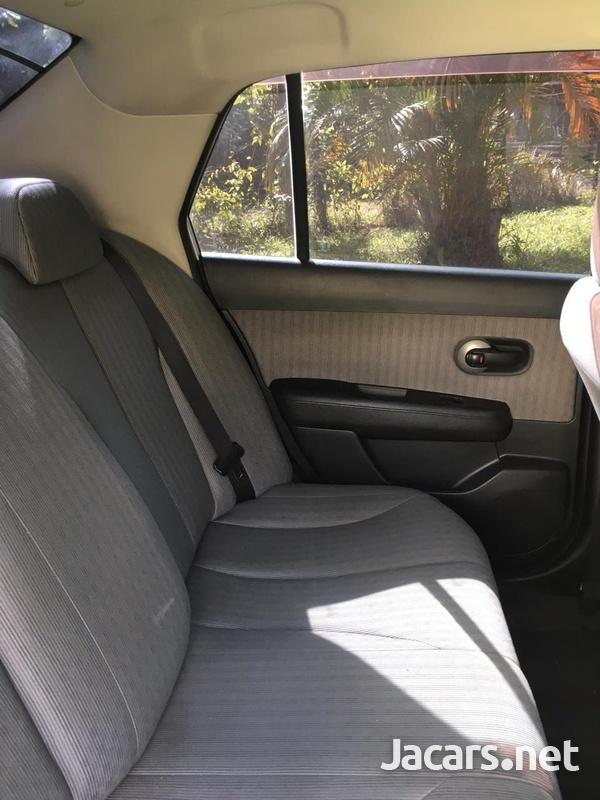 Nissan Tiida 1,5L 2008-7
