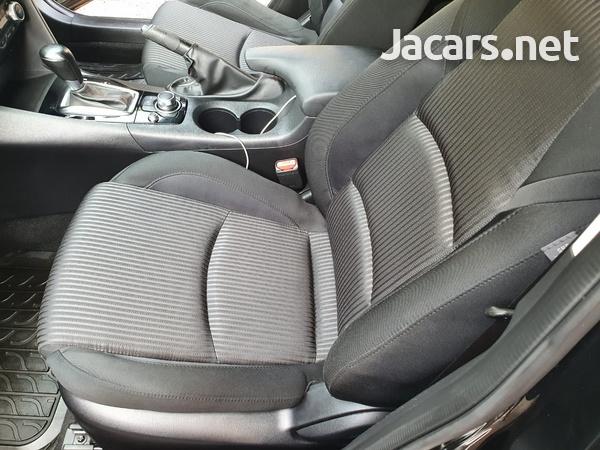 Mazda Axela 1,5L 2015-9