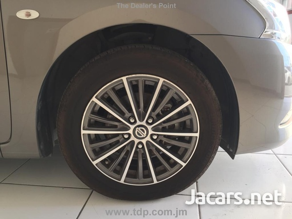 Nissan Sylphy 1,6L 2015-10