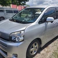 Toyota Voxy 1,8L 2011