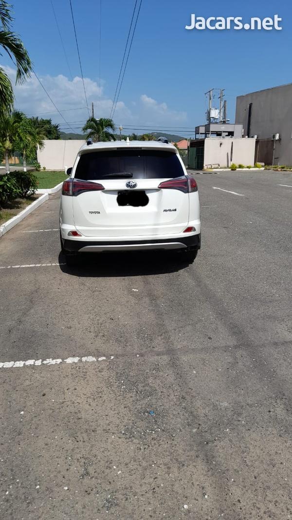 Toyota RAV4 2,5L 2016-6