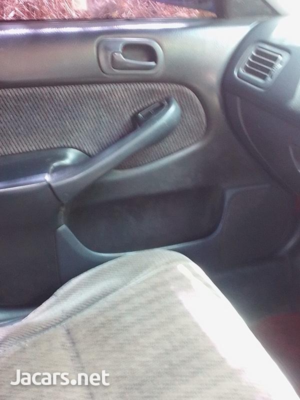 Honda Civic 1,6L 1999-4