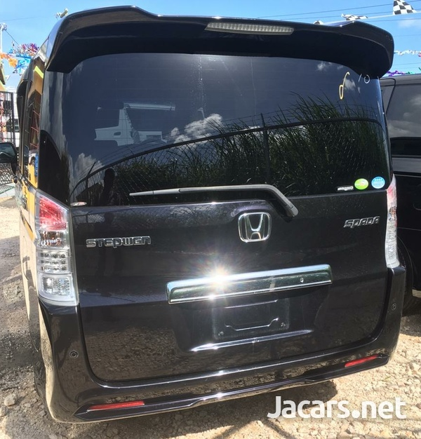 Honda Step wagon 2,4L 2010-7