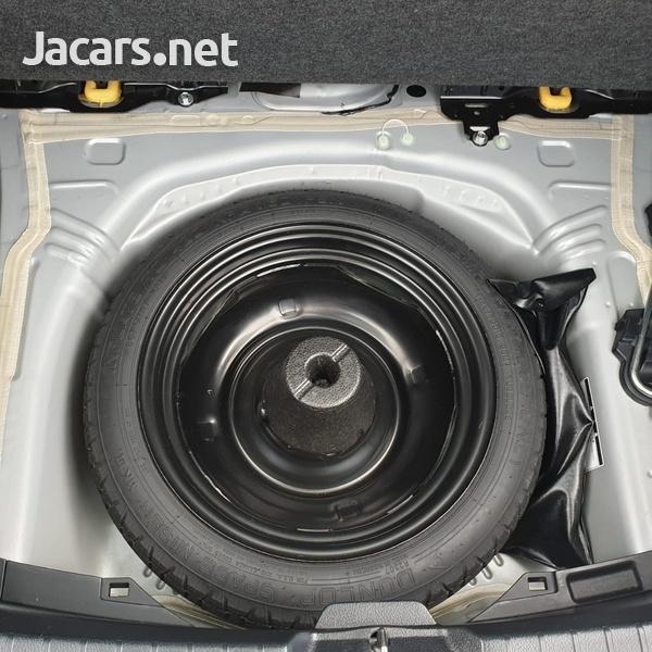 Toyota Vitz 1,0L 2015-14