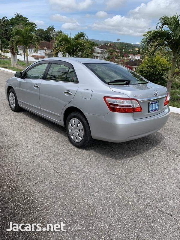 Toyota Premio 1,8L 2012-3