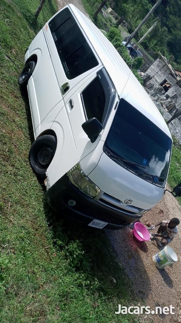 2007 Toyota Hiace Bus-5