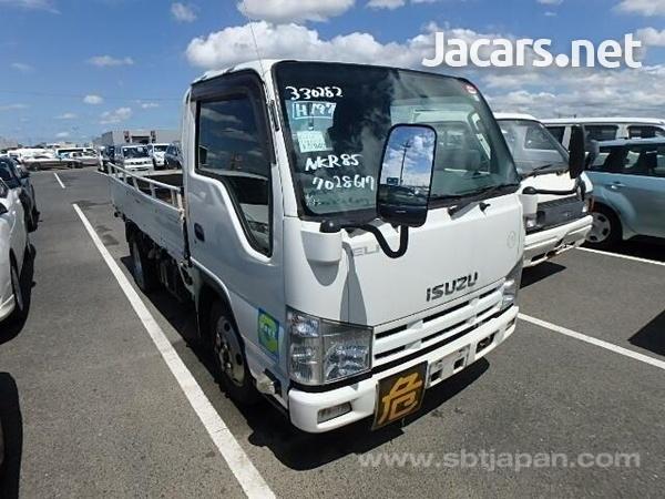 Isuzu Flat Body Truck 2013-2