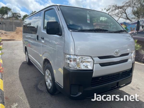 Toyota Hiace 2,0L 2017-1