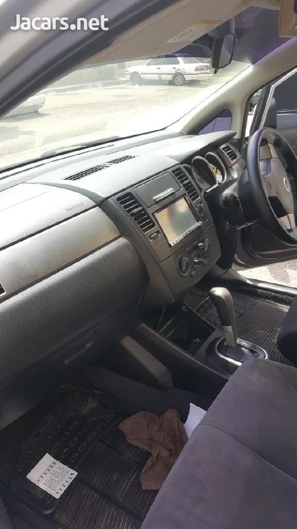 Nissan Tiida 1,8L 2012-5