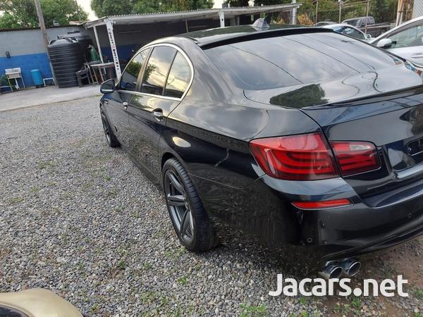 BMW 5-Series 2,5L 2011-9