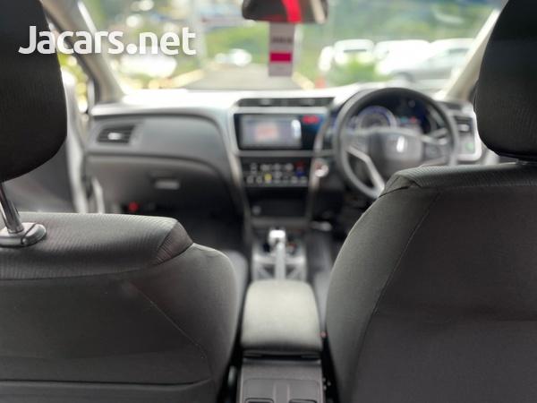 Honda Grace 1,5L 2015-9