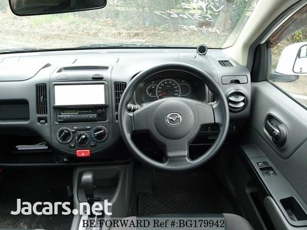 Mazda Familia 1,5L 2014-5