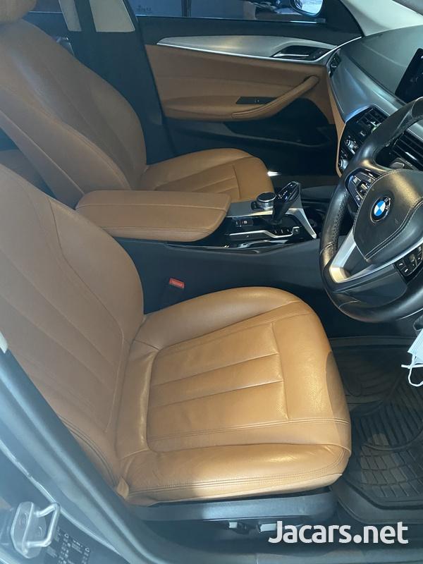 BMW 5-Series 2,0L 2017-4