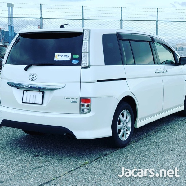 Toyota Isis 1,8L 2012-3