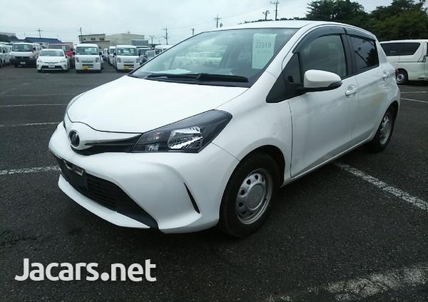 Toyota Vitz 1,3L 2015-4