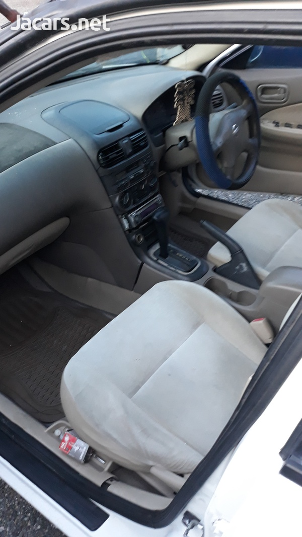 Nissan Sunny 1,2L 2002-5