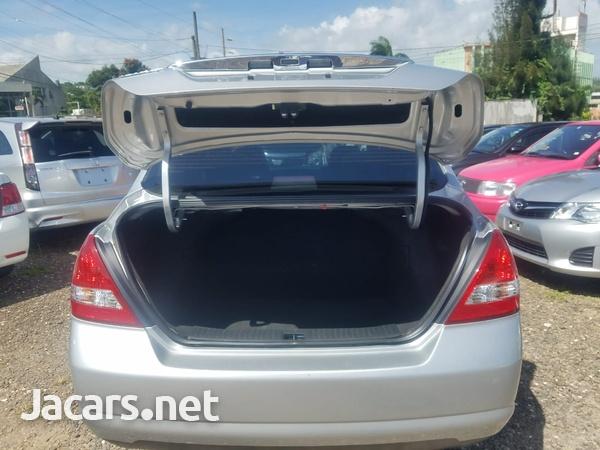 Nissan Tiida 1,6L 2011-8