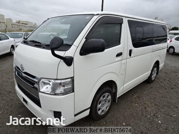 2015 Toyota Hiace Bus-1