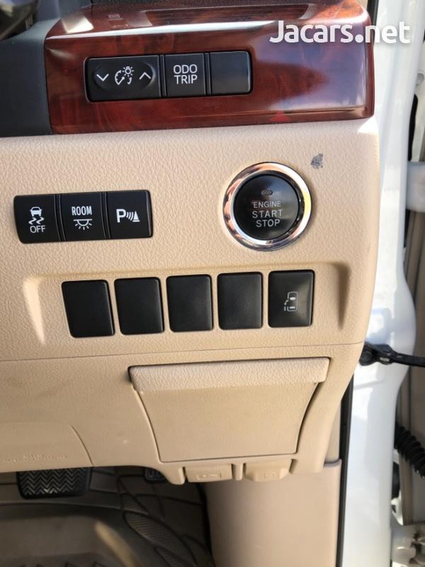 Toyota Alphard 2,4L 2011-3