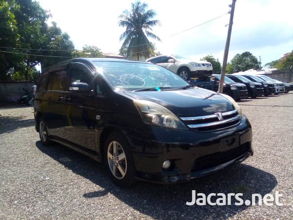 Toyota Isis 2,0L 2010-7